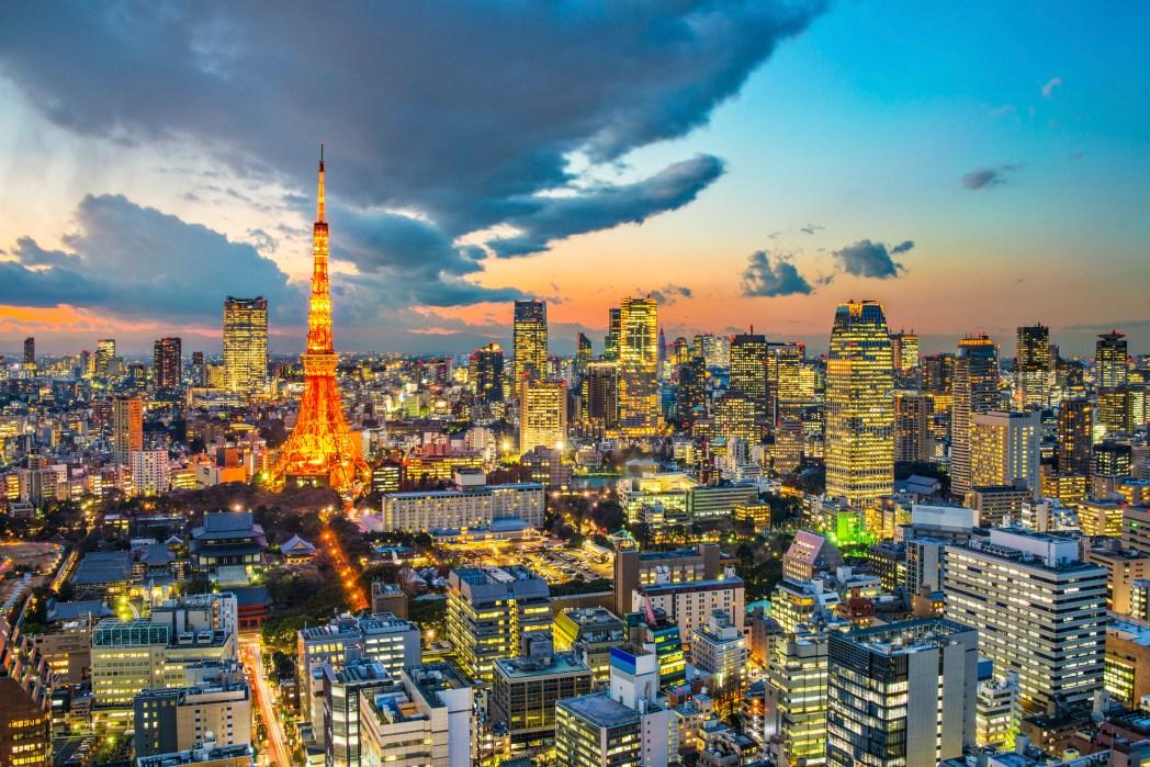 도쿄타워의 반짝이는 야경